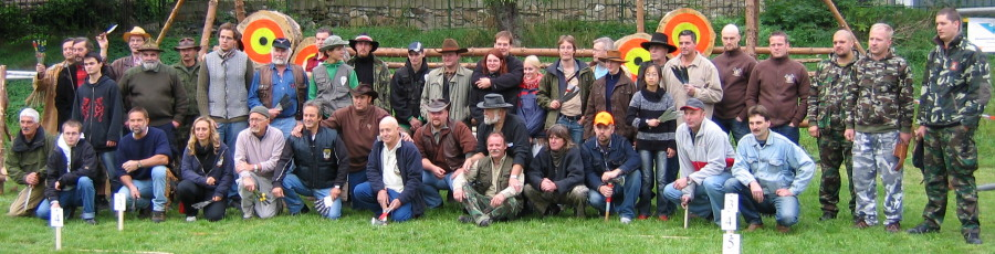 Group photo of all knife throwers in Chomutov. Click for a closer look.