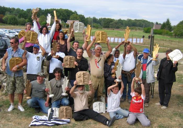 Click for bigger picture. Photo with (nearly all) the winners of the 2009 throwing competition in Villeflambeau.