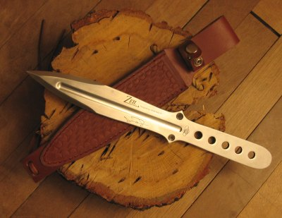 Ziel throwing knife designed by John Bailey.